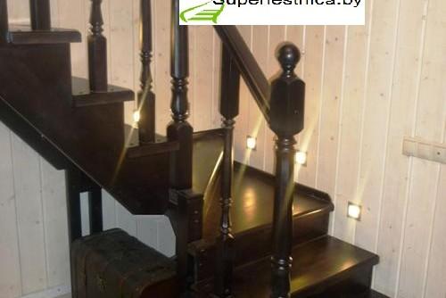 деревянная лестница с разворотом на 90 градусов