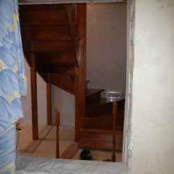 поворотная лестница забежными ступенями